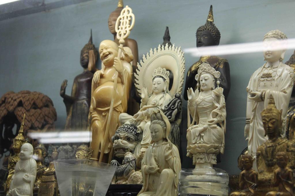 Ivory carvings on sale in Bangkok markets (T. Matson, September 2012)